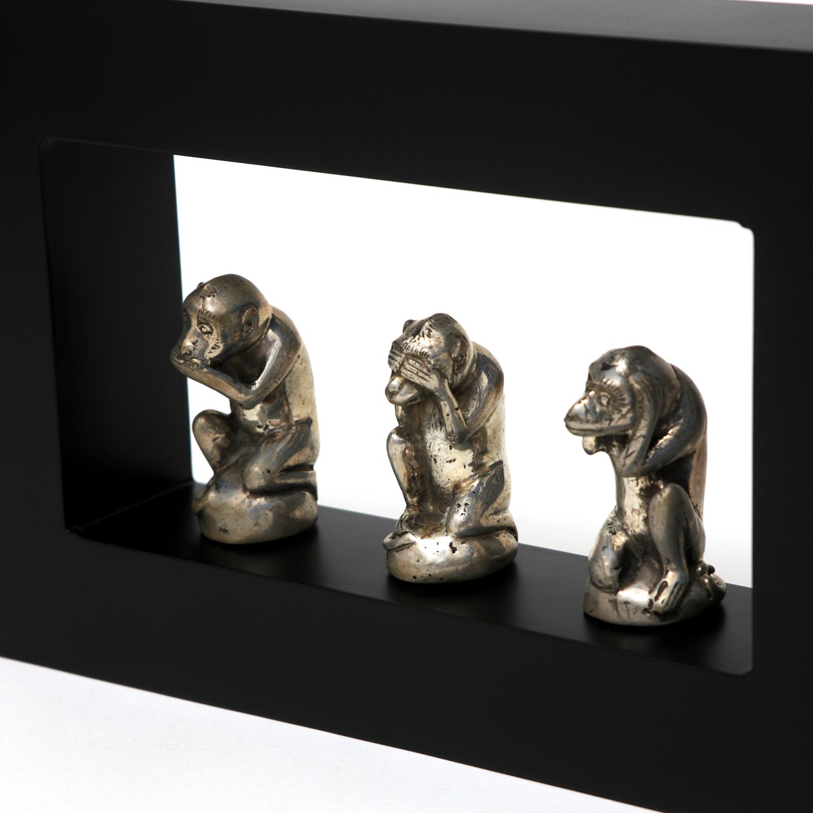 3 affen statue holz metall silber nichts sagen sehen h ren. Black Bedroom Furniture Sets. Home Design Ideas